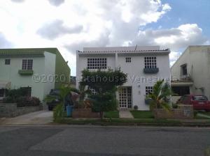 Casa En Ventaen Valencia, Parque Mirador, Venezuela, VE RAH: 21-7119