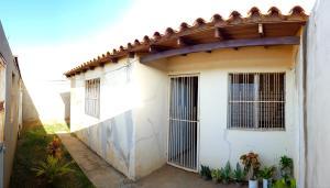 Casa En Ventaen Coro, Sector San Jose, Venezuela, VE RAH: 21-7123