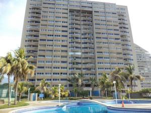 Apartamento En Ventaen Catia La Mar, Playa Grande, Venezuela, VE RAH: 21-7124