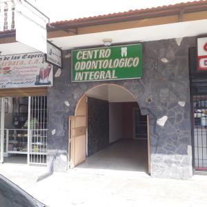 Local Comercial En Alquileren Maracay, La Maracaya, Venezuela, VE RAH: 21-7129