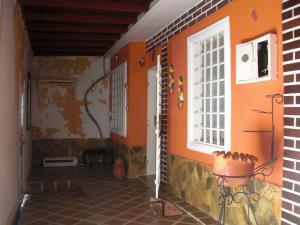 Casa En Ventaen Coro, Sector San Jose, Venezuela, VE RAH: 21-7132