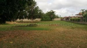 Terreno En Ventaen Municipio Brion, Hacienda El Banquito, Venezuela, VE RAH: 21-7137