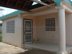 Casa En Ventaen Coro, Sector Los Perozos, Venezuela, VE RAH: 21-7151