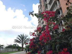Apartamento En Ventaen Caracas, El Encantado, Venezuela, VE RAH: 21-7167