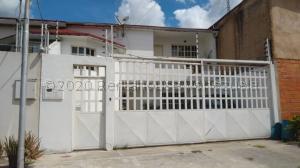 Casa En Ventaen Turmero, La Mantuana, Venezuela, VE RAH: 21-7177