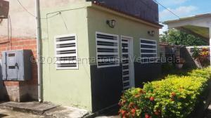 Casa En Ventaen Cagua, Prados De La Encrucijada, Venezuela, VE RAH: 21-7184