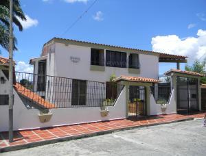 Casa En Ventaen Barquisimeto, Colinas De Santa Rosa, Venezuela, VE RAH: 21-7190