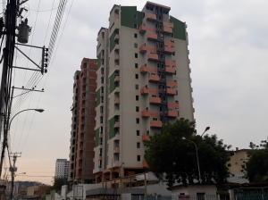 Apartamento En Ventaen Maracay, Zona Centro, Venezuela, VE RAH: 21-7198