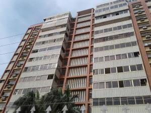 Apartamento En Ventaen Maracaibo, La Lago, Venezuela, VE RAH: 21-7226