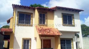 Townhouse En Ventaen Maturin, Juanico, Venezuela, VE RAH: 21-7290