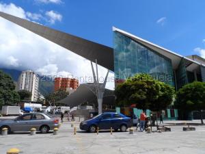 Local Comercial En Alquileren Caracas, Los Dos Caminos, Venezuela, VE RAH: 21-7263