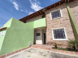 Apartamento En Ventaen Intercomunal Maracay-Turmero, Intercomunal Turmero Maracay, Venezuela, VE RAH: 21-7283
