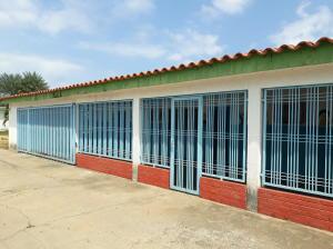 Casa En Ventaen Ciudad Ojeda, Vargas, Venezuela, VE RAH: 21-7335
