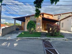 Casa En Ventaen Cabudare, Parroquia José Gregorio, Venezuela, VE RAH: 21-6110