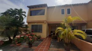 Casa En Ventaen Cabudare, Parroquia José Gregorio, Venezuela, VE RAH: 21-7366
