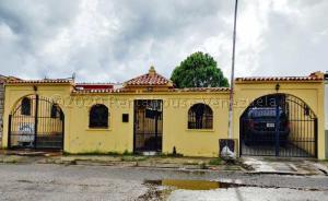 Casa En Ventaen Valencia, Flor Amarillo, Venezuela, VE RAH: 21-7410