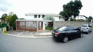 Casa En Ventaen Caracas, El Cafetal, Venezuela, VE RAH: 21-7426