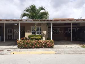 Casa En Ventaen Guatire, Canaima Uno, Venezuela, VE RAH: 21-6919