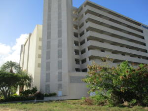 Edificio En Ventaen Margarita, Maneiro, Venezuela, VE RAH: 21-7491