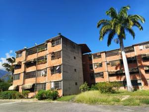 Apartamento En Ventaen Guarenas, Nueva Casarapa, Venezuela, VE RAH: 21-7521