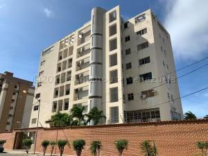 Apartamento En Ventaen Parroquia Caraballeda, Los Corales, Venezuela, VE RAH: 21-7640