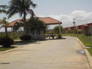Apartamento En Ventaen Higuerote, Higuerote, Venezuela, VE RAH: 21-7567