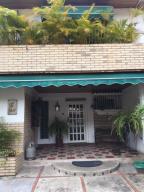 Casa En Ventaen Caracas, La Trinidad, Venezuela, VE RAH: 21-7568