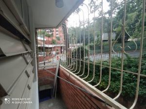 Apartamento En Ventaen Caracas, Los Chaguaramos, Venezuela, VE RAH: 21-7580