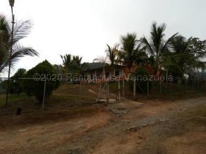 Terreno En Ventaen Nirgua, Sector El Kiosko, Venezuela, VE RAH: 21-7590