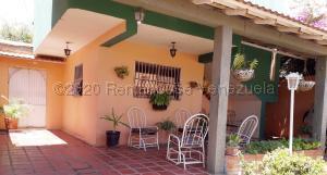 Casa En Ventaen Coro, Centro, Venezuela, VE RAH: 21-7632