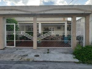 Casa En Ventaen Municipio San Diego, Monteserino, Venezuela, VE RAH: 21-7638