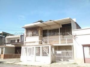 Casa En Ventaen Cagua, Centro, Venezuela, VE RAH: 21-7507