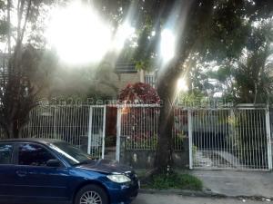 Casa En Ventaen Caracas, La Trinidad, Venezuela, VE RAH: 21-7651