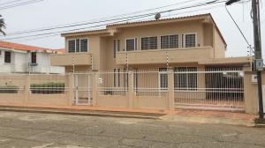 Casa En Ventaen Ciudad Ojeda, Tamare, Venezuela, VE RAH: 21-7692