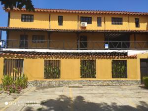 Townhouse En Ventaen Margarita, Paraguachi, Venezuela, VE RAH: 21-8172