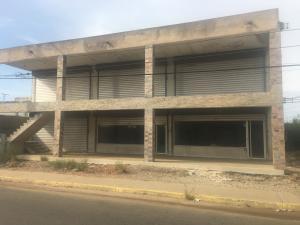 Local Comercial En Alquileren Ciudad Ojeda, Cristobal Colon, Venezuela, VE RAH: 21-7700