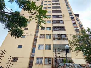 Apartamento En Ventaen Valencia, Lomas Del Este, Venezuela, VE RAH: 21-8168