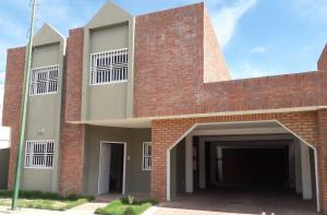 Casa En Ventaen Coro, Centro, Venezuela, VE RAH: 21-7726