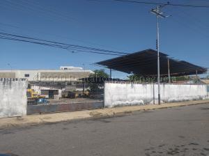 Terreno En Ventaen Ciudad Bolivar, Casco Central, Venezuela, VE RAH: 21-7736