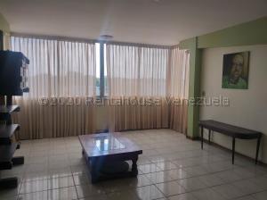 Apartamento En Ventaen Ciudad Bolivar, Sector Avenida Tachira, Venezuela, VE RAH: 21-7745