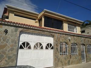 Casa En Ventaen Municipio San Diego, Altos De La Esmeralda, Venezuela, VE RAH: 21-7748
