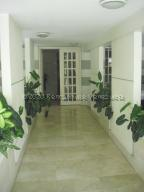 Apartamento En Ventaen Caracas, Cumbres De Curumo, Venezuela, VE RAH: 21-7782