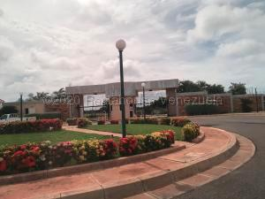 Terreno En Ventaen Punto Fijo, Terrazas Club De Golf, Venezuela, VE RAH: 21-7802
