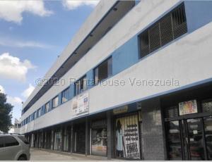 Oficina En Alquileren Municipio San Diego, Parque Industrial Castillito, Venezuela, VE RAH: 21-7805