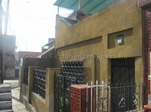 Casa En Ventaen Caracas, Catia, Venezuela, VE RAH: 21-7828