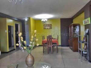 Apartamento En Ventaen Punto Fijo, Santa Irene, Venezuela, VE RAH: 21-7843