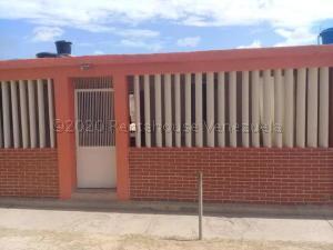 Casa En Ventaen Punto Fijo, Antiguo Aeropuerto, Venezuela, VE RAH: 21-7847