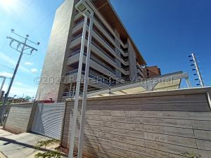 Apartamento En Alquileren Maracaibo, Bellas Artes, Venezuela, VE RAH: 21-7851