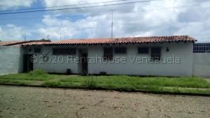 Casa En Ventaen Calabozo, Centro Administrativo, Venezuela, VE RAH: 21-7904
