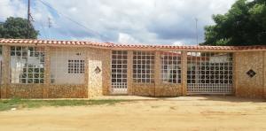 Casa En Ventaen Cabimas, Carretera H, Venezuela, VE RAH: 21-7916